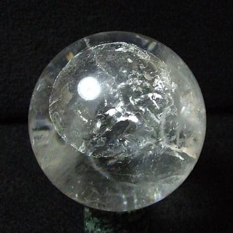 レインボー入り透明水晶玉84mm