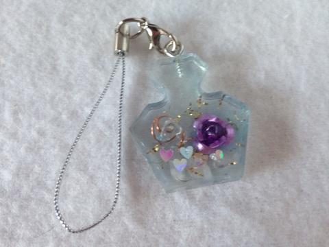香水型〜紫のバラ