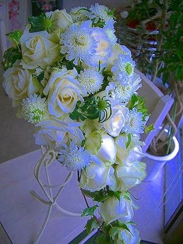 生花季節の小花ミックスキャスケード&ブートニア