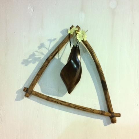 いぶし竹と繭形吊り一輪ざし