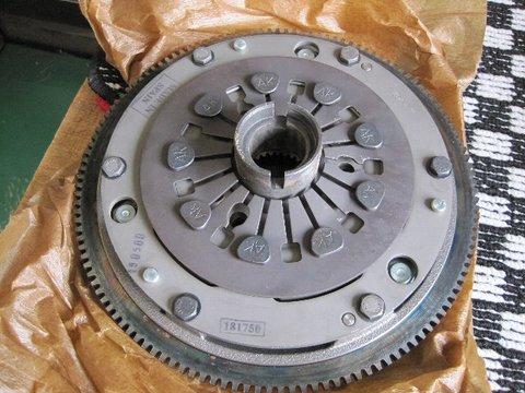 GCU90121AF クラッチキット 1.3i(-96)