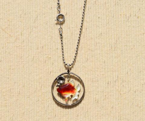純銀製ペンダント ふっくら金魚