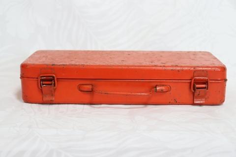 ブリキ工具箱