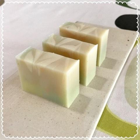 コケモモバター soap