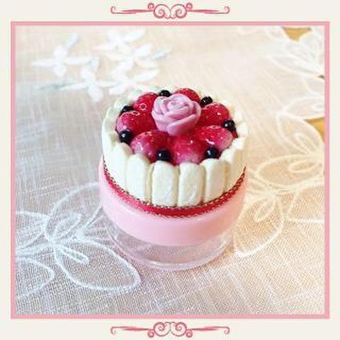 シャルロットケーキのクリームケース(赤リボン)