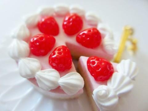 ピンクのホールケーキのマグネット
