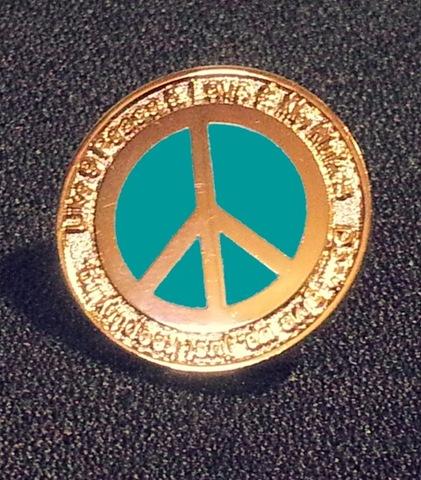 Eternal Peace ピンバッジ (価格は送料込みです) クリックして頂けるとデザインなどについてお伝えできます。