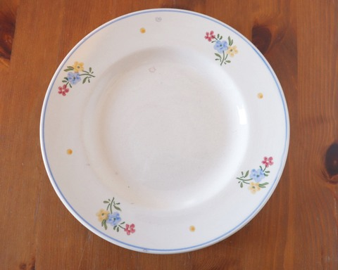 可愛いお花の絵 素朴なドイツのお皿
