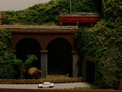 ミニらま16 山あいのめがね橋と隧道のある情景