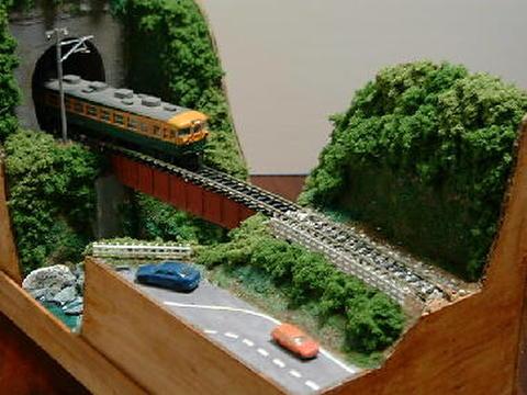 感謝11  渓谷とガ-ダ-鉄橋のある風景