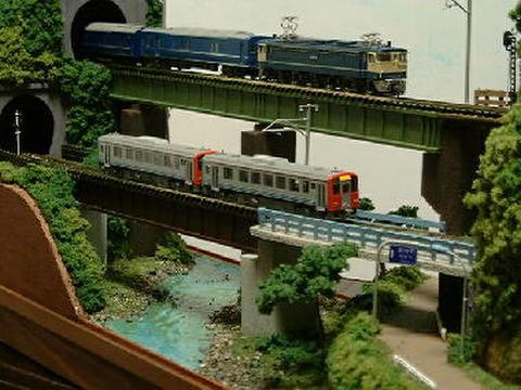 ミニらまワイド05複線ガ-ダ-鉄橋とトンネル、川のある情景