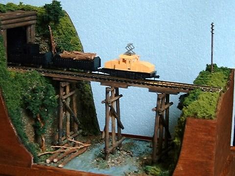ミニらま 18-2 森林鉄道1.丸太の橋とトンネルのある情景