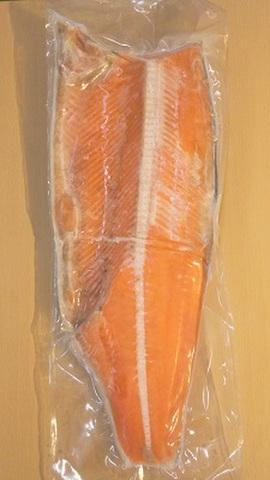 紅鮭フィレ (約1kg) といくら正油漬 (250g) のセット