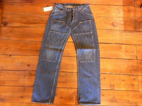 1606 SW W Knee STD Heritage  Diat Denim