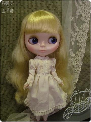 生成りのドレス