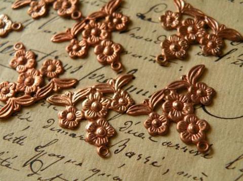 ヴィンテージ コパー/銅古美 お花のスタンピングコネクター