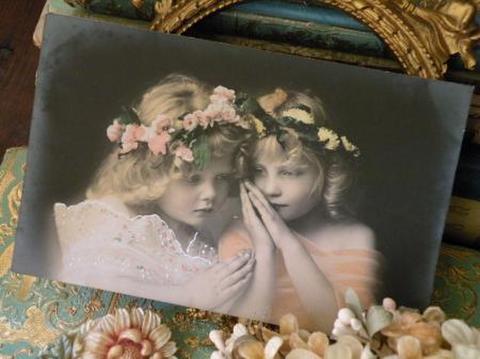 アンティークポストカード 妖精のような可憐な少女達A 未使用