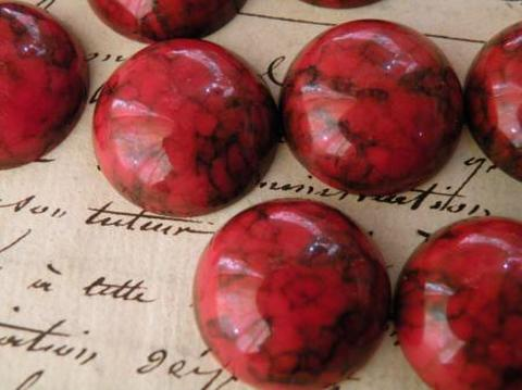 ヴィンテージ ドイツ製アクリル  丸いカボション1,8cm  マトリックス柄赤