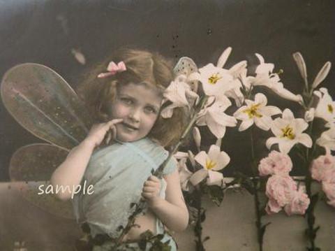 アンティークポストカード しぐさが愛らしいな妖精の少女A