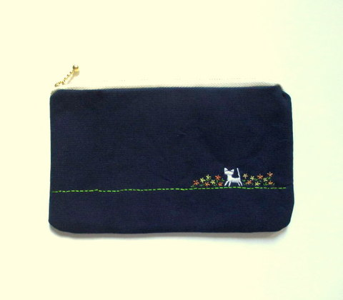 猫刺繍の平ポーチ*お花畑の猫*オレンジ