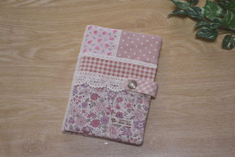ピンク花柄チェック母子手帳ケース