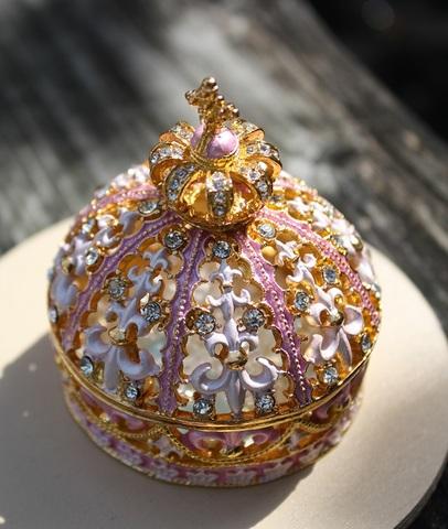胸キュン! ピンクの王冠 プチジュエルボックス(ヒマラヤ水晶特上さざれ付)