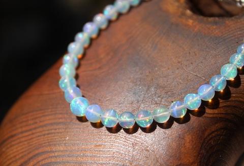 セール特価! 虹を紡いだ1点もの! 宝石質プレシャスオパール ブレスレット
