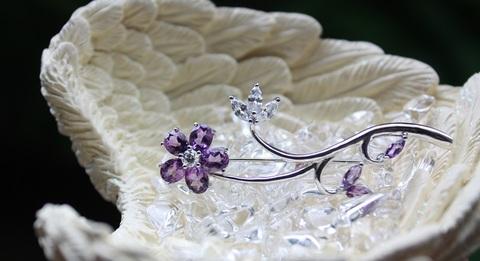 宝石質アメジスト&ジルコニアのシルバーデザインブローチ