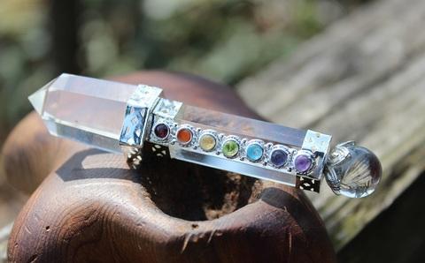 超透明! キラキラ7宝石付 天然水晶デザインミニワンド