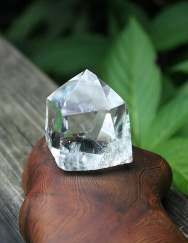 透明度抜群! 稀少レインボー&ファントム入り 天然ヒマラヤ水晶 ポイント(小)