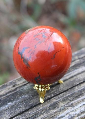 夕日の様な真っ赤な レッドジャスパー53ミリ丸玉(台座付)