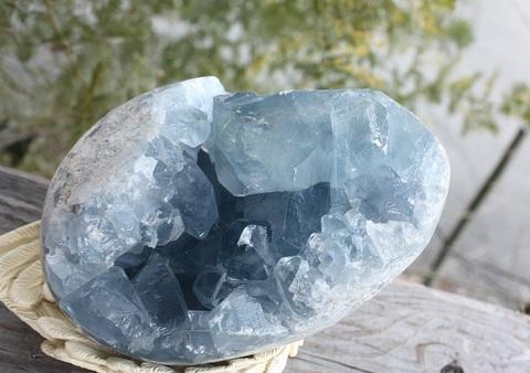 天使の宿る石 セレスタイト(天青石) 特大エッグ型原石置物