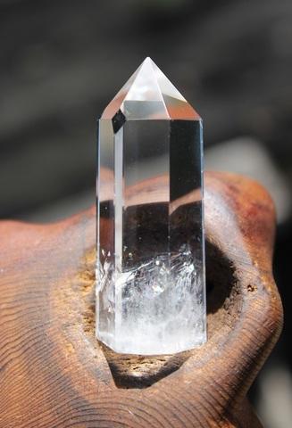 水の様な透明感 虹入り 天然水晶ミニポイント