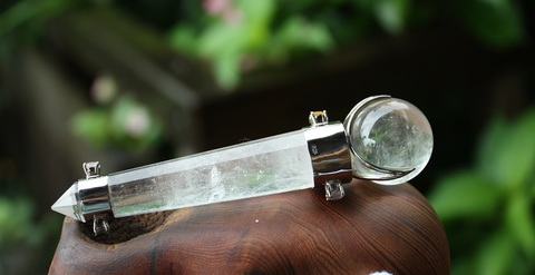 セール特価!  レア 7宝石付き 天然水晶デザインワンド