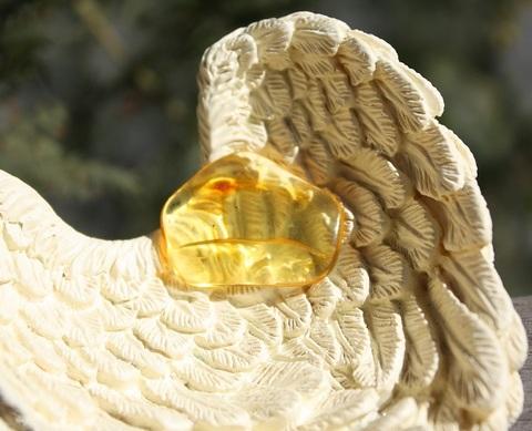 セール特価! キラリ1黄金の雫バルティックアンバー 最高品質タンブルルース