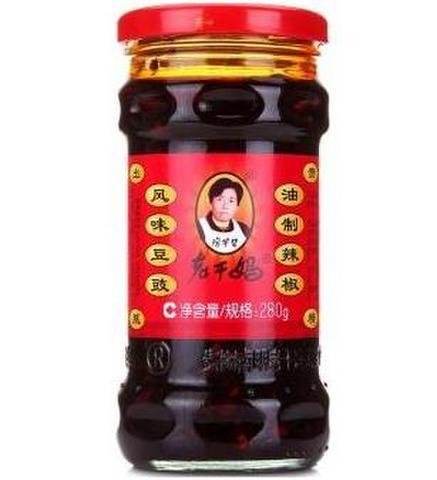 老干妈 风味豆豉油辣椒-豆鼓入り食べるラー油  280g
