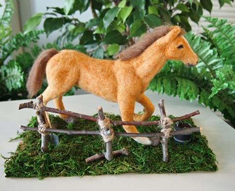 〈馬〉 作家:岡島 奈津美 作品