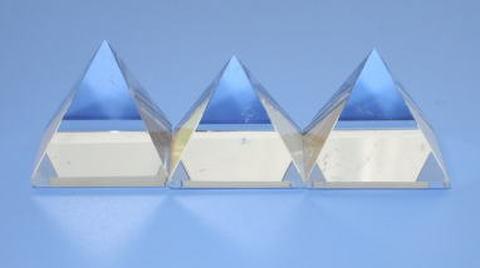 【A+】グレード天然水晶ピラミッド20mm