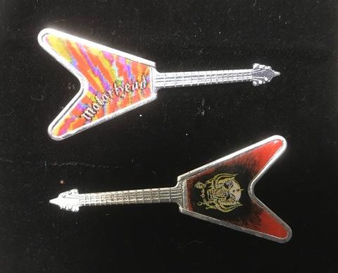 80'sギターバッジ フライングVロゴ