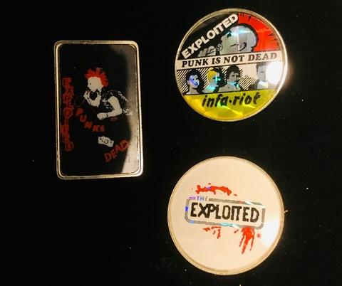 80'sメタルバッジexploited