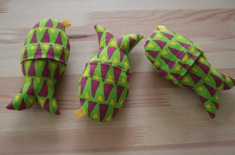 黄緑魚S洗えるキャットキッカーS