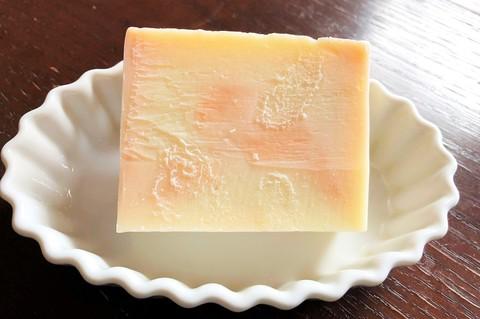 【新着!】 天然アロマの香り ナチュラルハンドメイドソープ オレンジバター入り石鹸