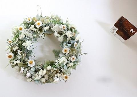花かんざしのナチュラルリース