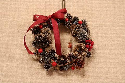ころころ木の実のクリスマスリース