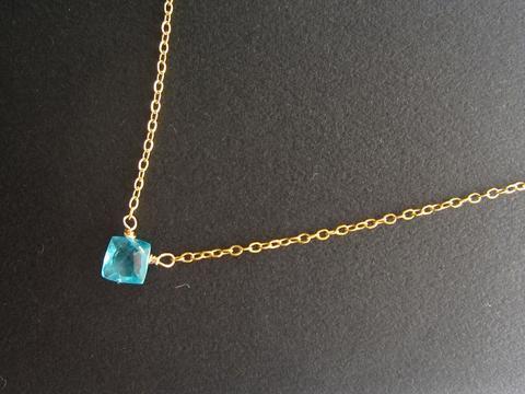 天然石ブルーアパタイト愛され一粒ネックレス