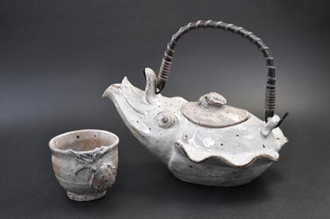 コウイカの銚子とイカ浮彫文ぐい呑み