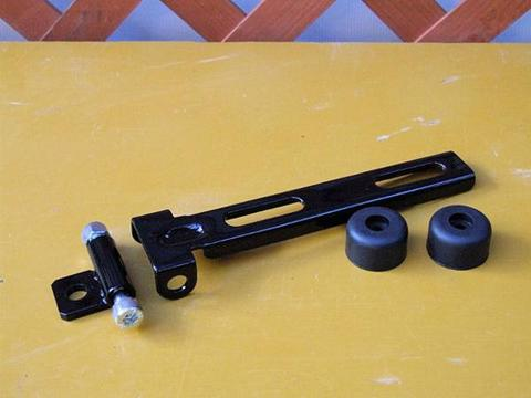 黒塗装済み 汎用サドルシートブラケット+ラバー