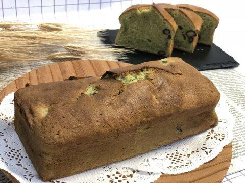 抹茶と黒豆のケーキ