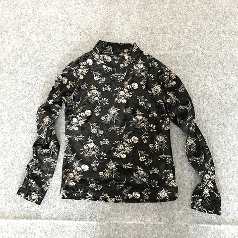 U2(upper two)velor floral tops