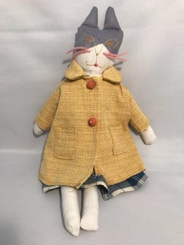 パリのネコ人形②